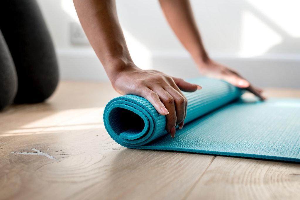 yoga en casa pequeños espacios