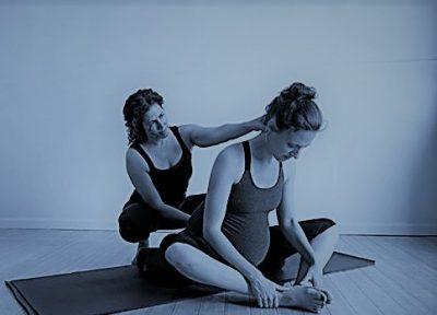 posicion yoga embarazada