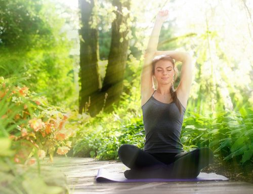 Posturas de yoga para meditar en casa